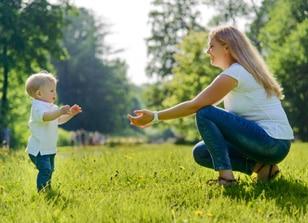 מדוע נעלי טרום הליכה הן הטובות ביותר עבור ילדך?